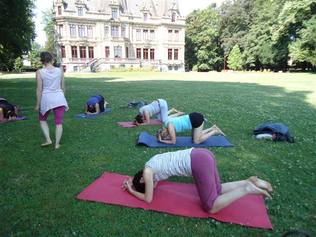 Yoga au parc en été!